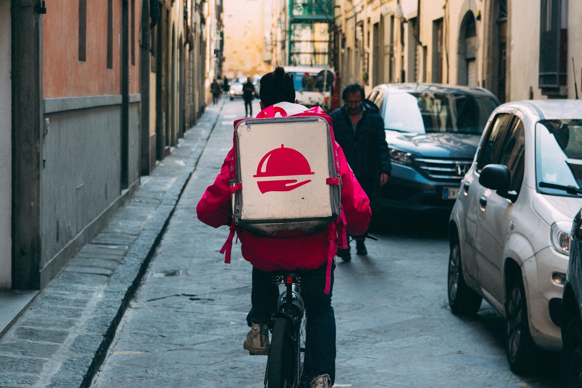 ¿La plataforma del tranvía?: Utilizar las plataformas de comercio electrónico para abordar nuevas decisiones en una época de incertidumbre